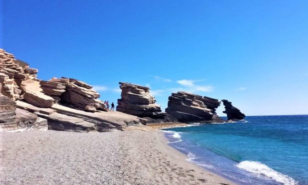 Τριόπετρα: Η παραλία - «κόσμημα» του νομού Ρεθύμνης