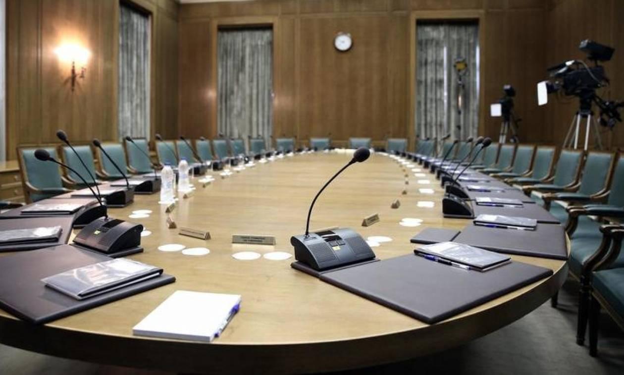 Ανασχηματισμός από ώρα σε ώρα: «Κλείδωσαν» οι υπουργοί – Ποιοι μένουν, ποιοι φεύγουν