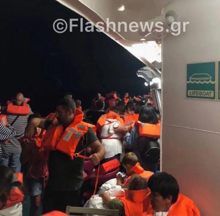 Ολονύχτιο θρίλερ μεσοπέλαγα: Φωτιά στο πλοίο «Ελευθέριος Βενιζέλος» με 1.016 επιβαίνοντες