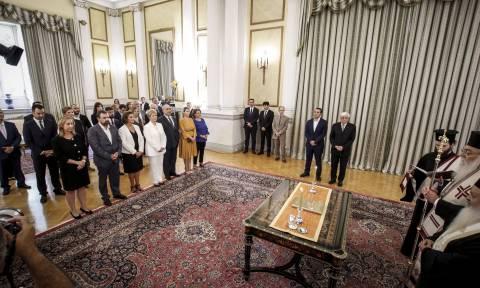 Καρέ - καρέ η ορκωμοσία της νέας κυβέρνησης