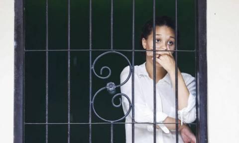 Δικαίωση για την ανήλικη που βίαζε ο αδελφός της, έμεινε έγκυος και έκλεισαν ΑΥΤΗ φυλακή