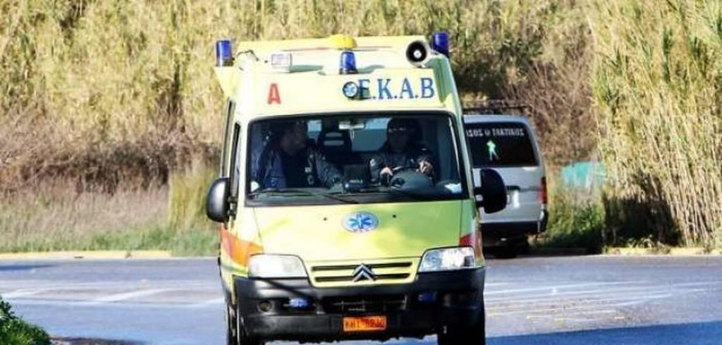 Tροχαίο δυστύχημα στη Χίο: Αυτοκίνητο έπεσε σε δέντρο
