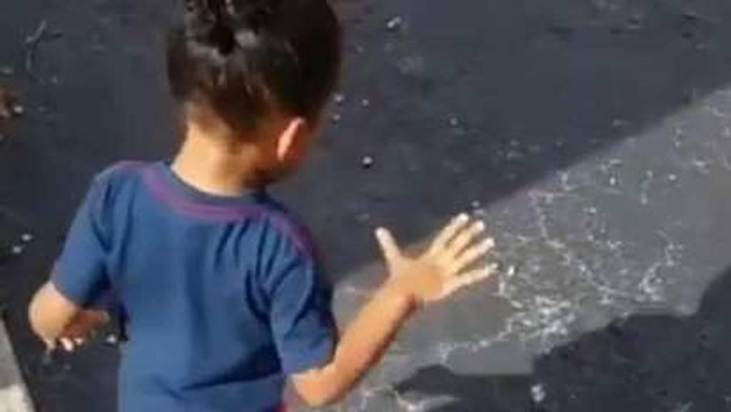 Δείτε την αντίδραση παιδιού όταν ανακαλύπτει την σκία του (vid)