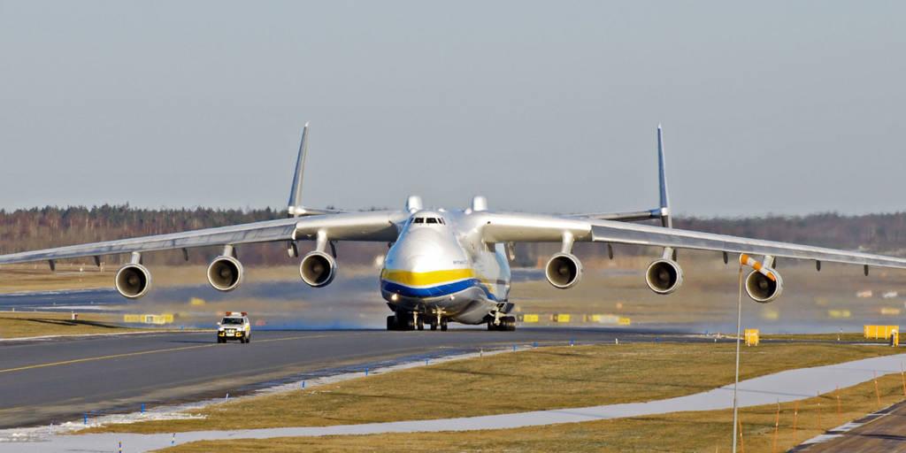 Στο αεροδρόμιο «Ελ. Βενιζέλος» το μεγαλύτερο αεροπλάνο του κόσμου