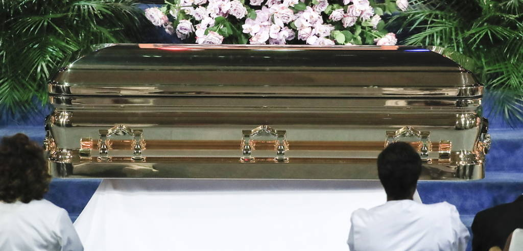 Aretha Franklin: Αποχαιρέτησαν τη μεγάλη ντίβα της soul σε μια τελετή γεμάτη μουσική (pics+vids)