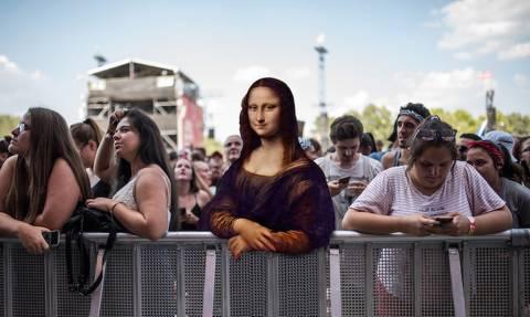 Χιούμορ ή Ασέβεια; Έκανε φώτοσοπ στον πίνακα της Μόνα Λίζα!