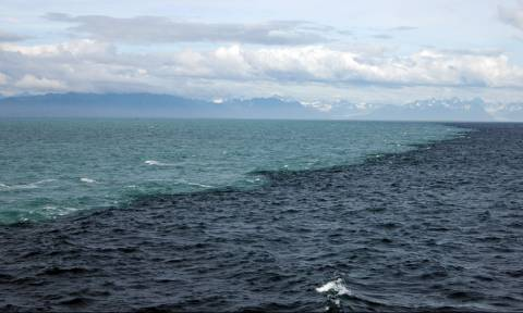 Απίθανο βίντεο: Το σημείο που «συναντιούνται» Ατλαντικός και Ειρηνικός ωκεανός