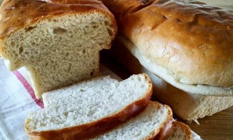 Φτιάξε εύκολα νόστιμο σπιτικό ψωμί του τοστ