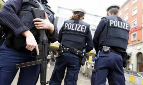 Γερμανία: Σε διαθεσιμότητα δύο αστυνομικοί για ναζιστικό χαιρετισμό