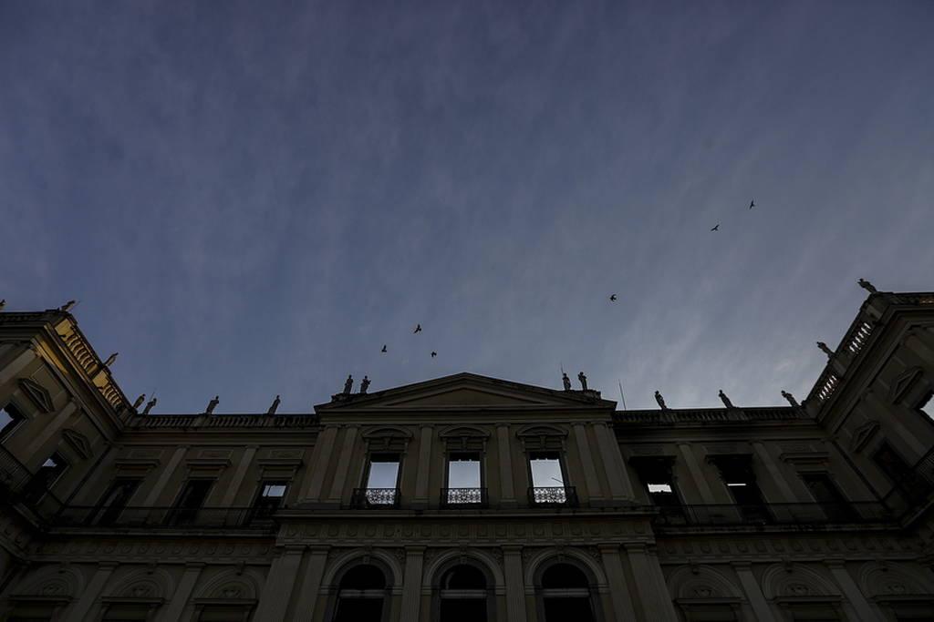 Βραζιλία: Ελπίδα μέσα στις στάχτες - Βρέθηκε στα αποκαΐδια του Μουσείου το κρανίο της Λουζία; (vid)