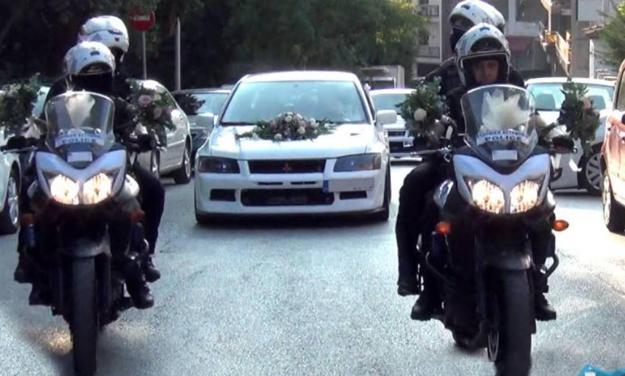 Η νύφη πήγε στην εκκλησία με τη συνοδεία μηχανών της ομάδας ΔΙ.ΑΣ. και σειρήνες (video)