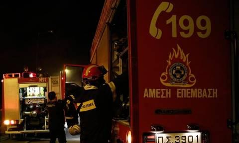 Φωτιά σε σκάφος στο Πέραμα
