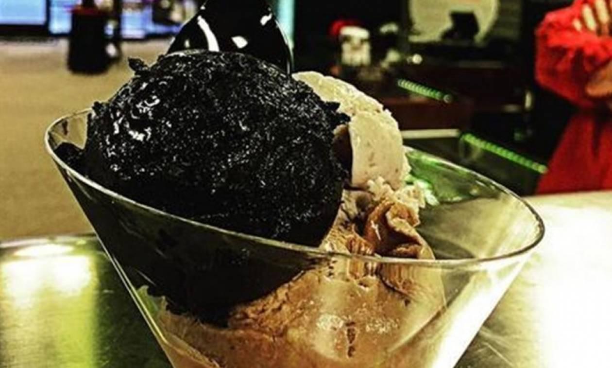 Η «βανίλια του Ναύτη»: Εσύ θα δοκίμαζες παγωτό με… μελάνι από καλαμάρι;