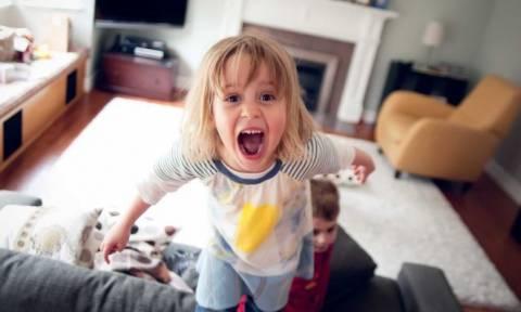Θεσσαλονίκη: Πολύτεκνη οικογένεια θα πληρώνει 300 ευρώ στους γείτονες όταν τα παιδιά κάνουν φασαρία!