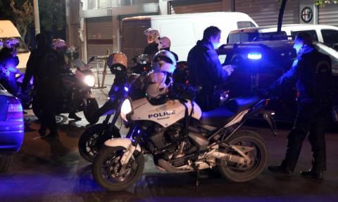 Επεισοδιακή νύχτα στον Κολωνό με δύο τραυματίες