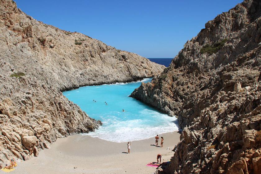 Κρήτη: Νύκτα τρόμου για οικογένεια στην παραλία Σεϊτάν Λιμάνια