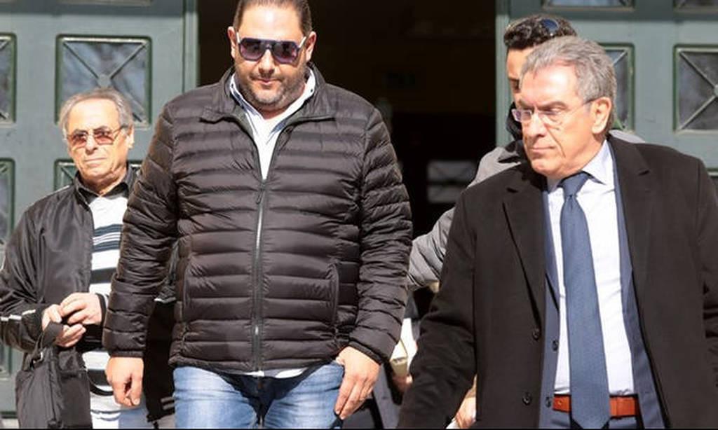 Αγωγή - μαμούθ αστυνομικού κατά του τραγουδιστή Στέλιου Διονυσίου - Πόσα χρήματα ζητά και γιατί