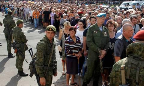 Κριμαία: Χιλιάδες εγκαταλείπουν τα σπίτια τους