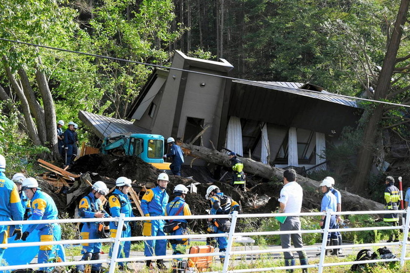 Σκηνικό αποκάλυψης στην Ιαπωνία: Στους 16 οι νεκροί από τον καταστροφικό σεισμό στο Χοκάιντο (pics)