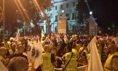 ΔΕΘ 2018: Πορεία διαμαρτυρίας των ένστολων στο υπουργείο Μακεδονίας - Θράκης (pics-vids)