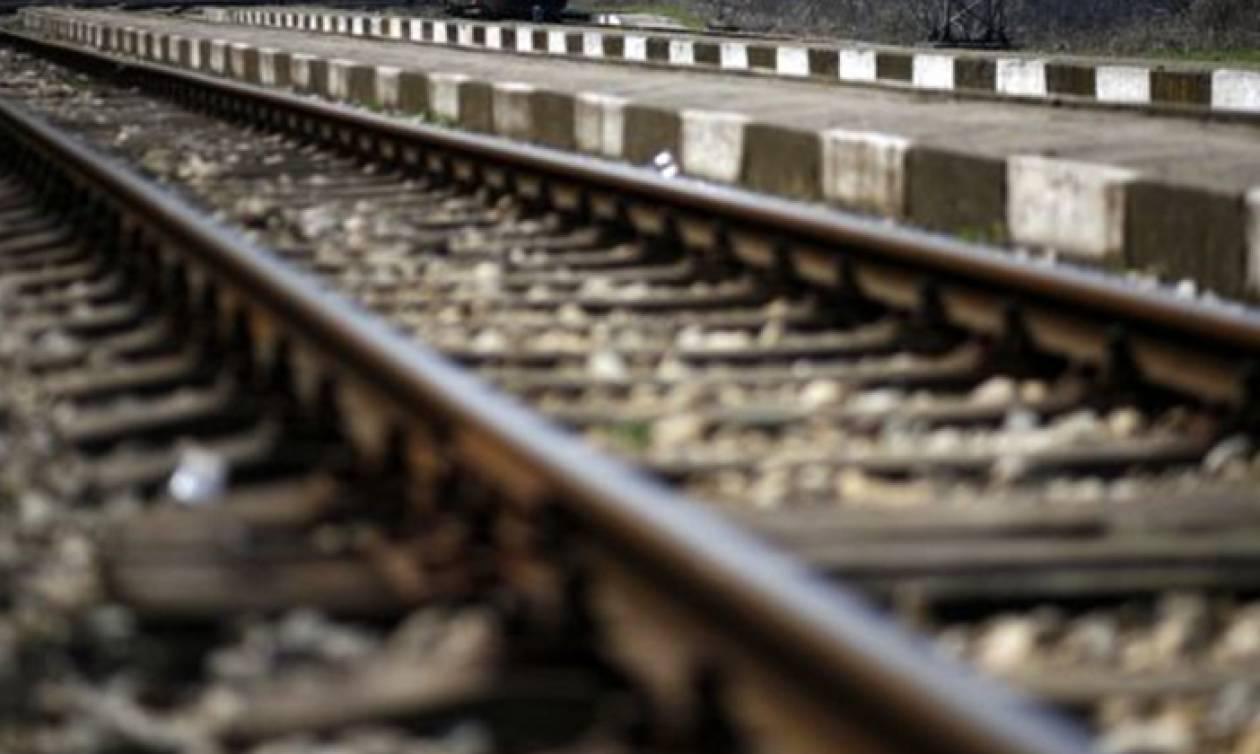 Πάτρα: Έπαθε ανακοπή πάνω στις γραμμές του τρένου! Αυτό που ακολούθησε ήταν «σημάδι από το Θεό»