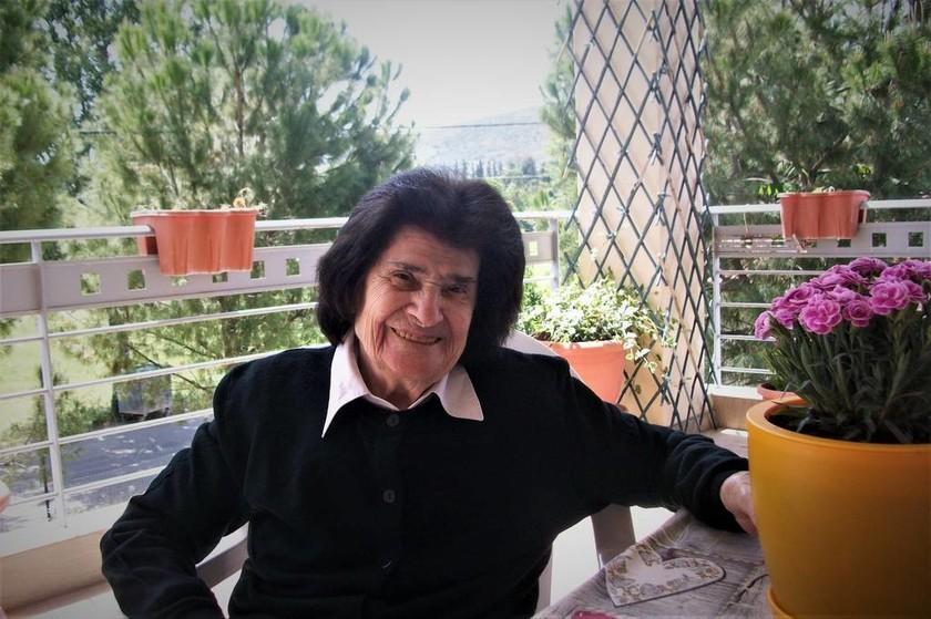 Θλίψη: Νεκρή γνωστή Ελληνίδα τραγουδίστρια (vids+pics)