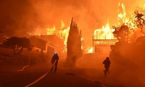 Απίστευτο: Η Πυροσβεστική Υπηρεσία της Καλιφόρνια ξέμεινε από χρήματα (vid)