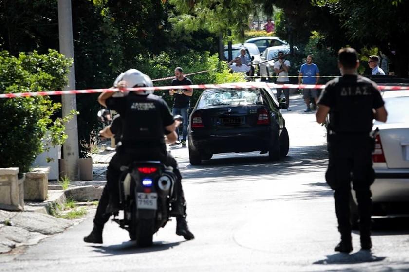 Μαφιόζικη εκτέλεση στο Ψυχικό: Ψάχνουν το δολοφόνο του φαρμακοποιού (ΠΡΟΣΟΧΗ ΣΚΛΗΡΕΣ ΕΙΚΟΝΕΣ)