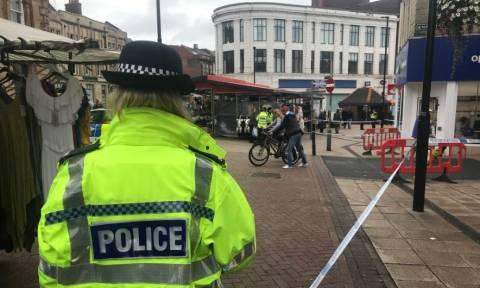 Μεγάλη Βρετανία: Συναγερμός για άτομο που μαχαίρωσε άνδρα στη μέση του δρόμου