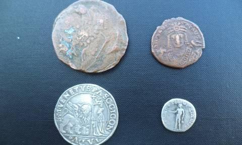 Δύο συλλήψεις για αρχαία νομίσματα στην Φλώρινα (pics)