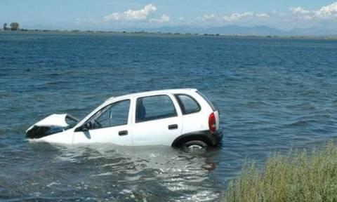 Σαλαμίνα: Τύχη «βουνό» για 74χρονο - Βρέθηκε με το όχημά του στη θάλασσα