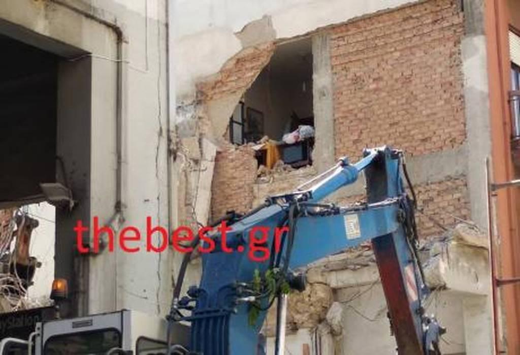 Πάτρα: Κατεδάφισαν κατά λάθος σπίτι με τον ιδιοκτήτη του μέσα! (pics)