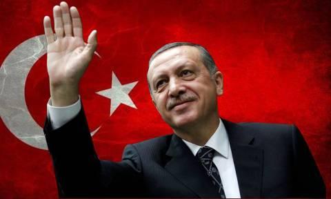 «Τρίβει» τα χέρια του ο Ερντογάν: Κύμα παραιτήσεων «γονατίζει» την Cumhuriyet