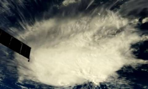 Συναγερμός στις ΗΠΑ για τον τυφώνα Φλόρενς: Εκκενώνονται περιοχές (vids)