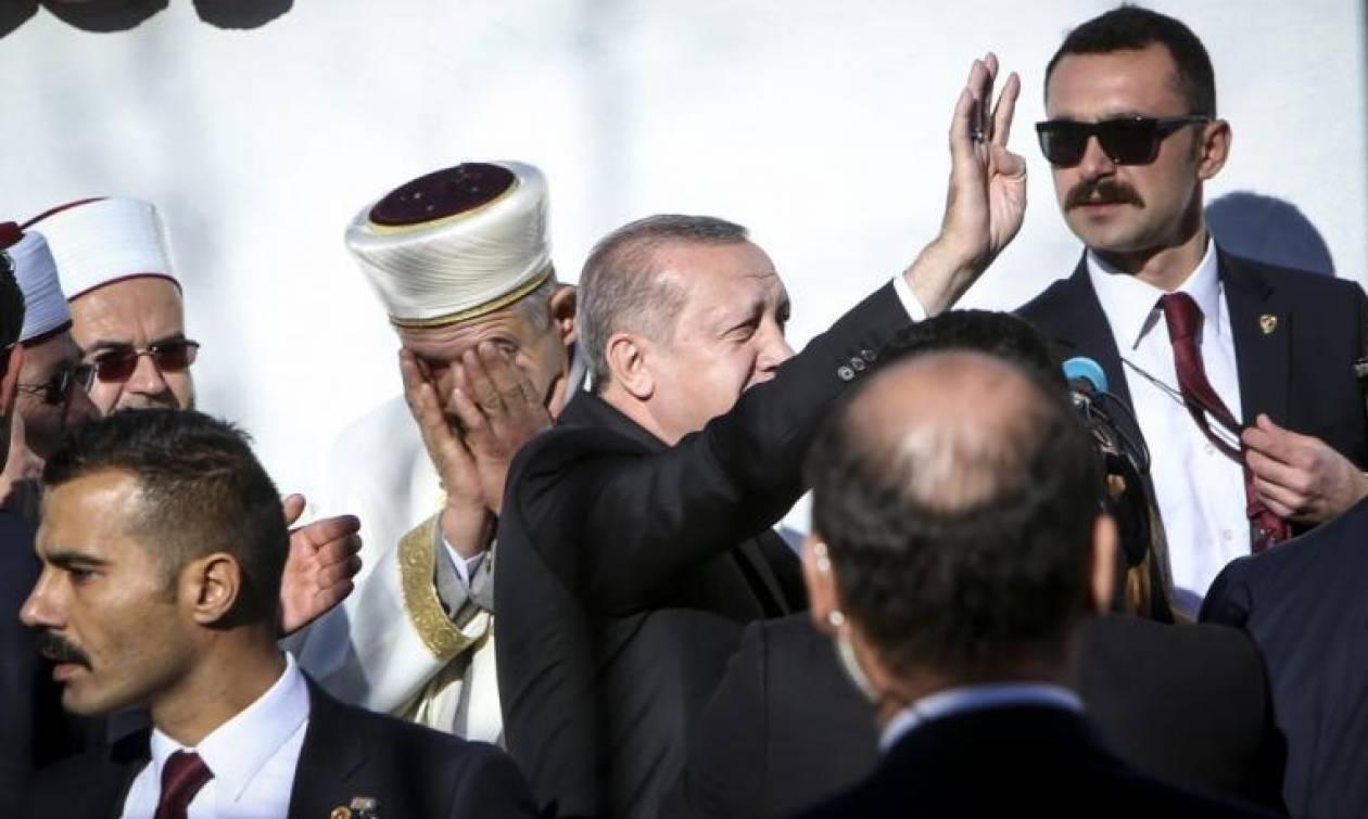 Νέα πρόκληση της Τουρκίας: Παρεμβαίνει στο ζήτημα του Μουφτήδων και μιλά για ομογενείς στη Θράκη