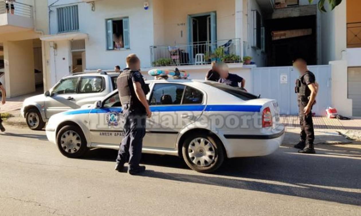 Λαμία: Θρασύτατος ληστής «μπούκαρε» σε πολυκατοικία μέρα μεσημέρι - Τον έπιασαν στα «πράσα»