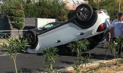 Σοβαρό τροχαίο στη Μεταμόρφωση – Αναποδογύρισε αυτοκίνητο
