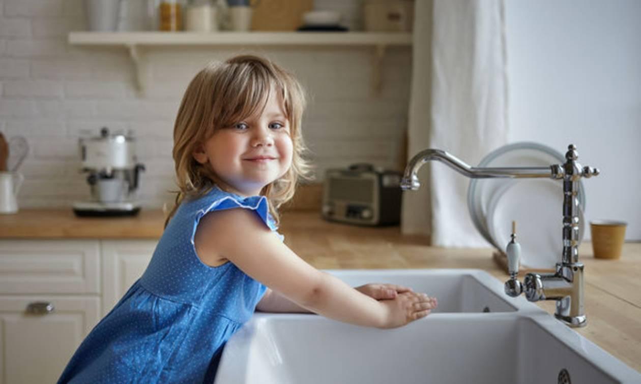Οκτώ κανόνες υγιεινής για να προστατεύονται τα παιδιά από ιώσεις και λοιμώξεις