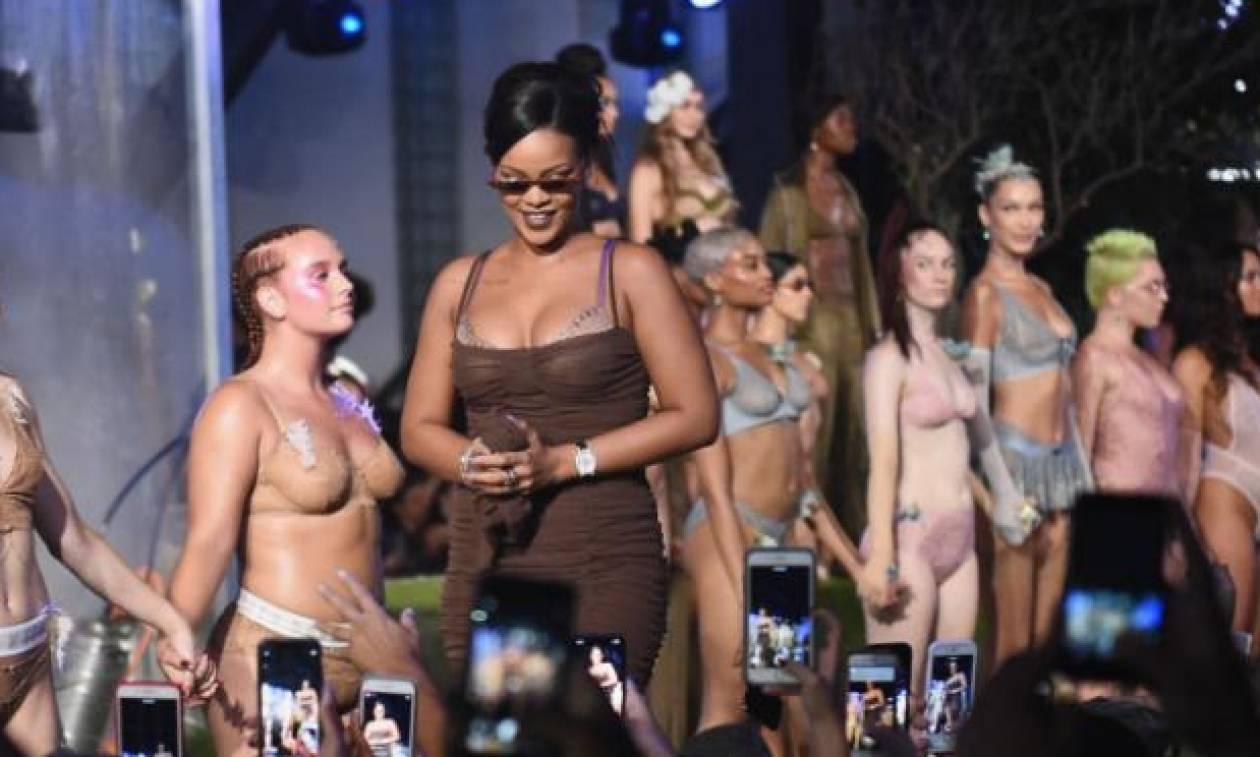 Το catwalk εσωρούχων της Rihanna δεν μοιάζει με κανένα άλλο