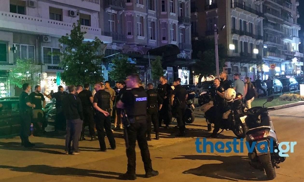 Θεσσαλονίκη: Άγριο ξύλο μεταξύ νεαρών στο κέντρο της πόλης - Δύο άτομα στο νοσοκομείο
