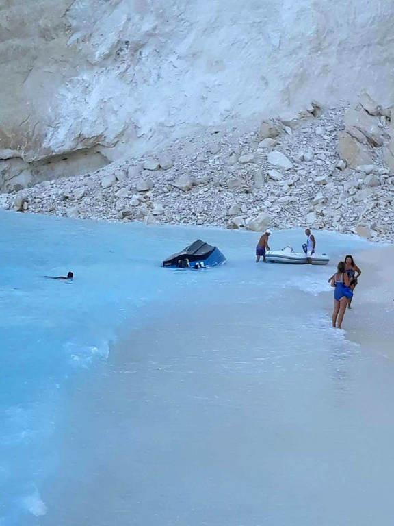 Ζάκυνθος - «Ναυάγιο»: Η πανέμορφη παραλία πριν και μετά την κατολίσθηση (pics&vids)