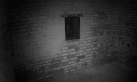 Ανατριχιαστικό βίντεο: Είναι αυτό στο παράθυρο ένα φάντασμα;