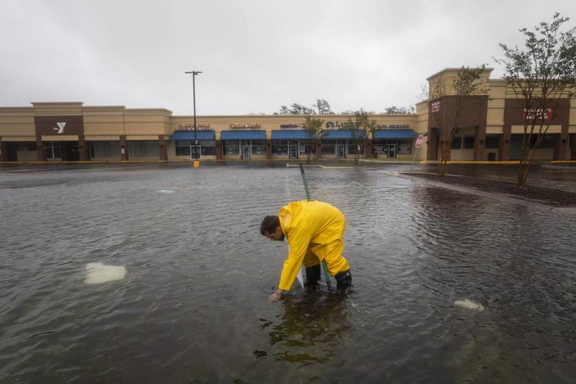 ΗΠΑ: Τέσσερις νεκροί από το σαρωτικό πέρασμα του τυφώνα Φλόρενς (vid)