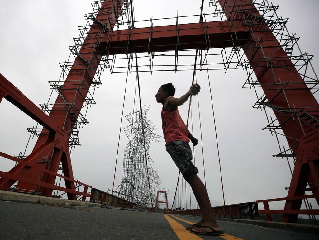 Ο υπερτυφώνας Μανγκούτ σαρώνει Φιλιππίνες και Ταϊβάν - Τουλάχιστον τρεις οι νεκροί (pics&vid)
