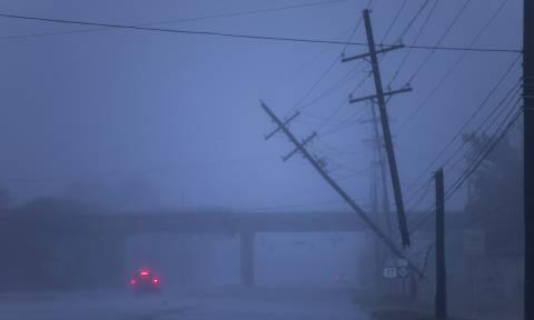 Στο «μάτι» του κυκλώνα Φλόρενς οι ΗΠΑ: Επτά νεκροί και δεκάδες παγιδευμένοι από τις πλημμύρες (vids)