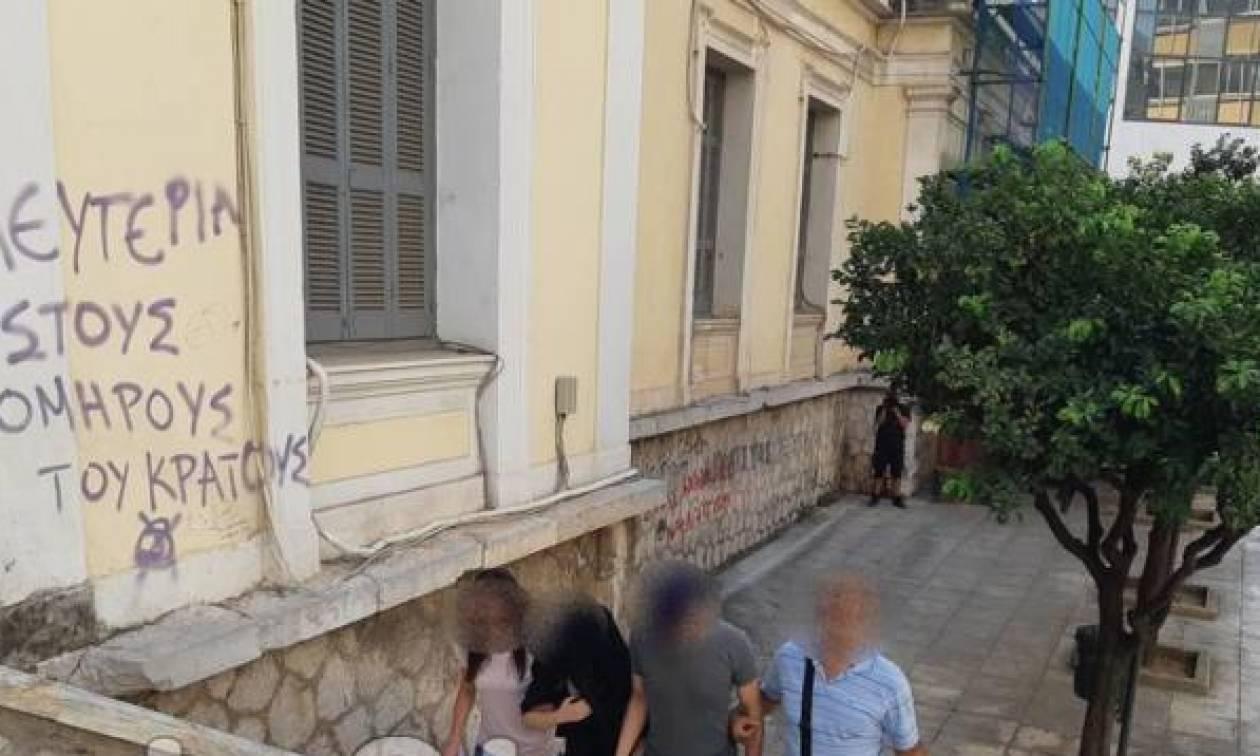 Σοκ στη Λαμία: Οι εφιαλτικές στιγμές της αιχμάλωτης Γαλλίδας στα χέρια του δυνάστη της
