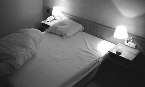 Σάλος σε ελληνικό νησί - Βρήκαν κρυφή κάμερα σε δωμάτιο ξενοδοχείου