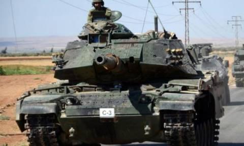 Η Άγκυρα στέλνει νέες στρατιωτικές ενισχύσεις στη Συρία