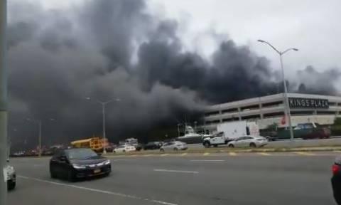 Συναγερμός στη Νέα Υόρκη: Μεγάλη φωτιά σε πάρκινγκ εμπορικού κέντρου (vids)