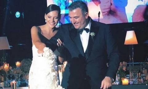 Όσα δεν είδατε από τον γάμο του Αντώνη Ρέμου με την Υβόννη Μπόσνιακ!